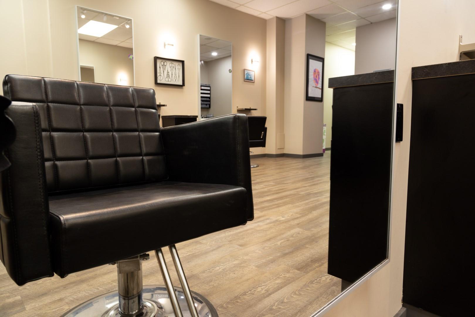 hair-styling-chair